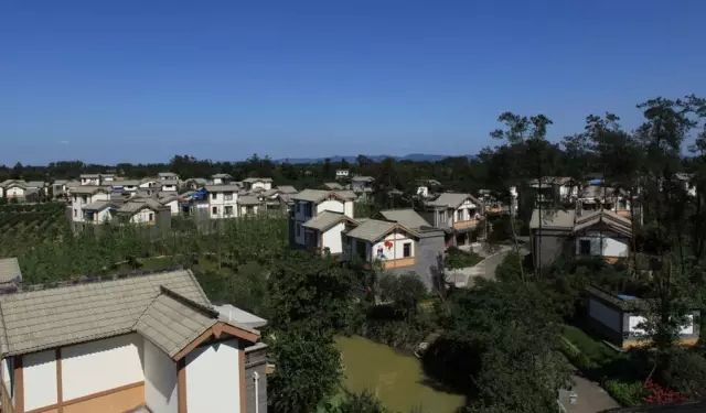 """蒲江县把2016年确定为""""全域幸福美丽新村建设攻坚年"""""""