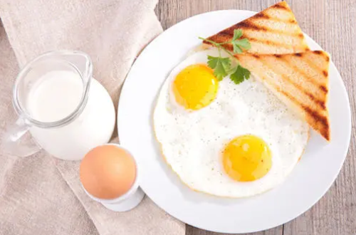 张文宏称早餐不许喝粥引争议!科普告诉你应该吃什么