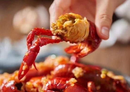 """成都人实现小龙虾自由,但是你吃""""对""""了吗?"""